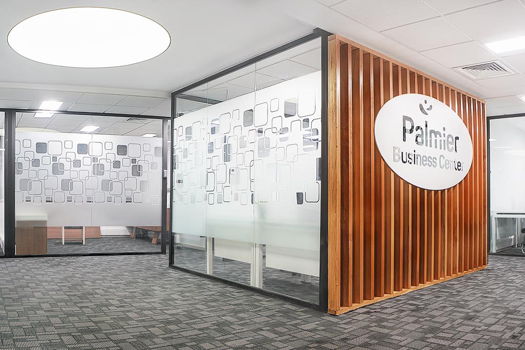 Espaces de bureaux, espaces de coworking<br/> Salles de réunion adaptés à vos besoins.